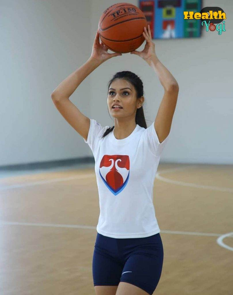 Suman Rao playing volleyball EXercsie