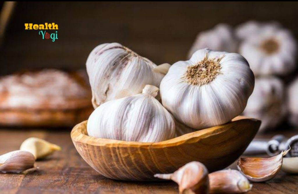 Garlic: best rainy foods you can include in your diet