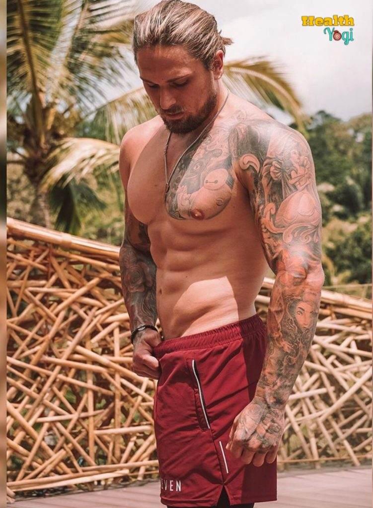 Ryan Stacks Bodybuilding