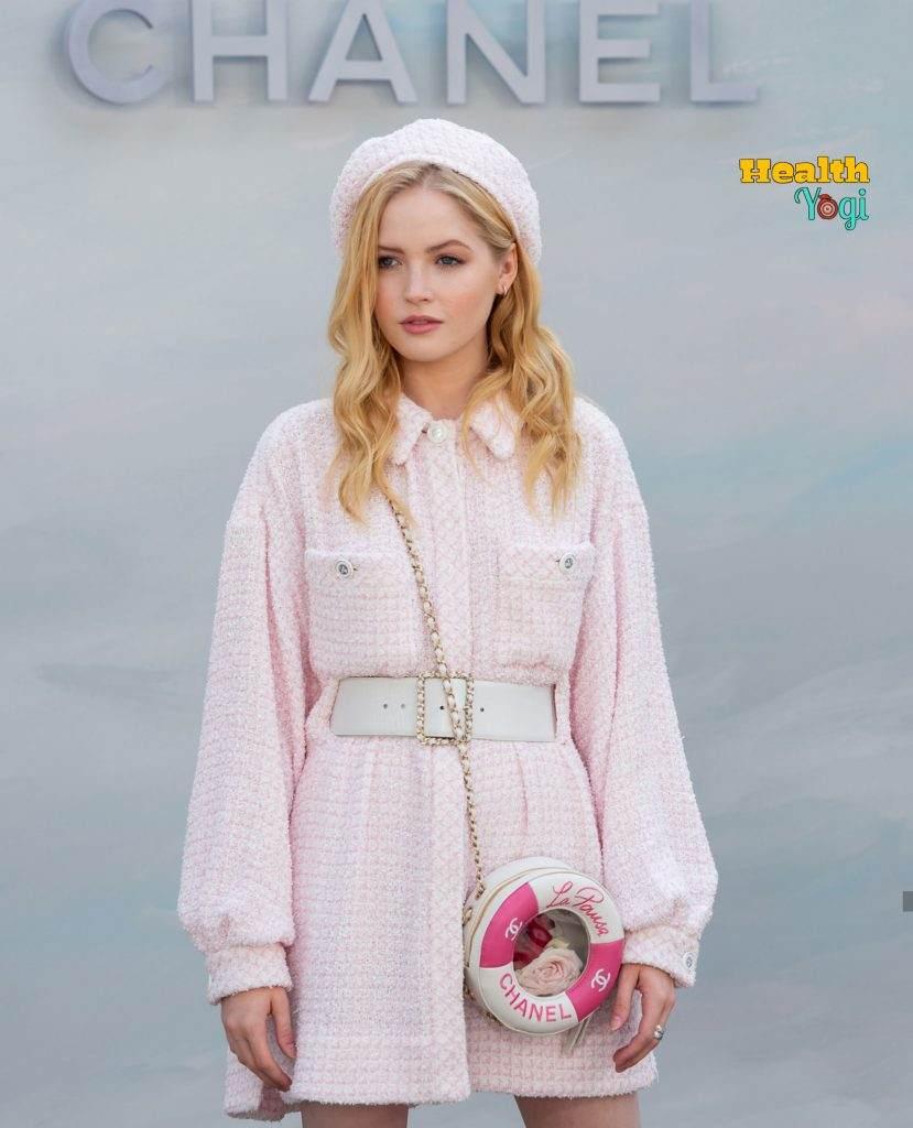 Ellie Bamber beauty