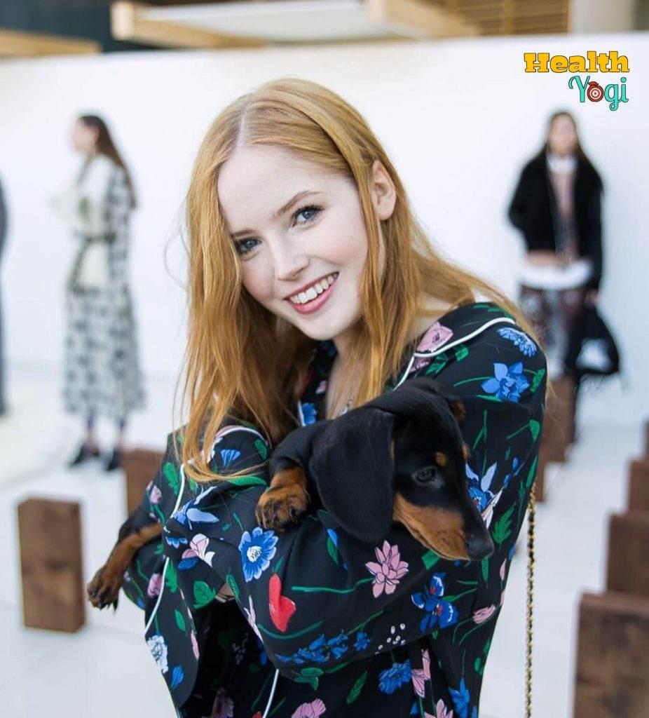 Ellie Bamber Photos