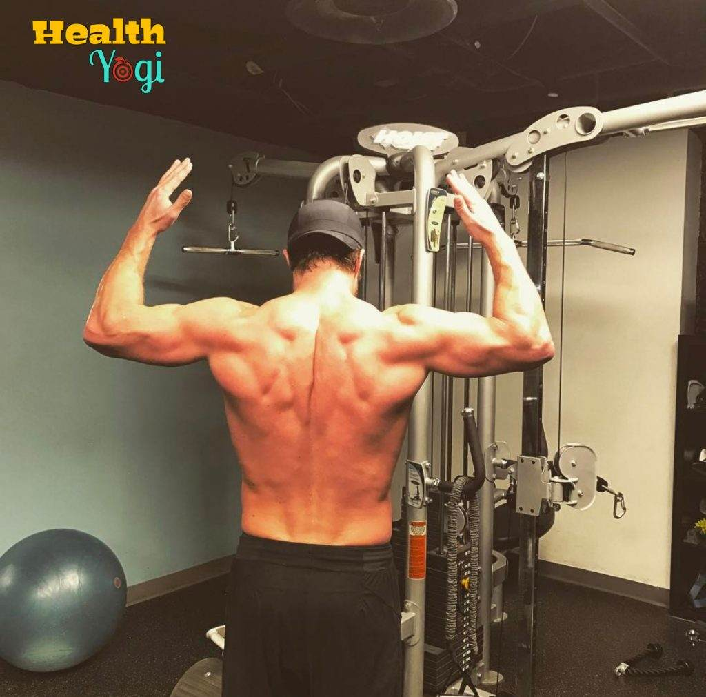 Stephen Amell Back Workout