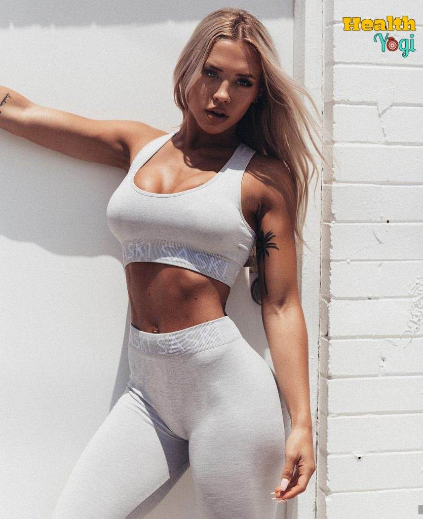 Tammy Hembrow abs