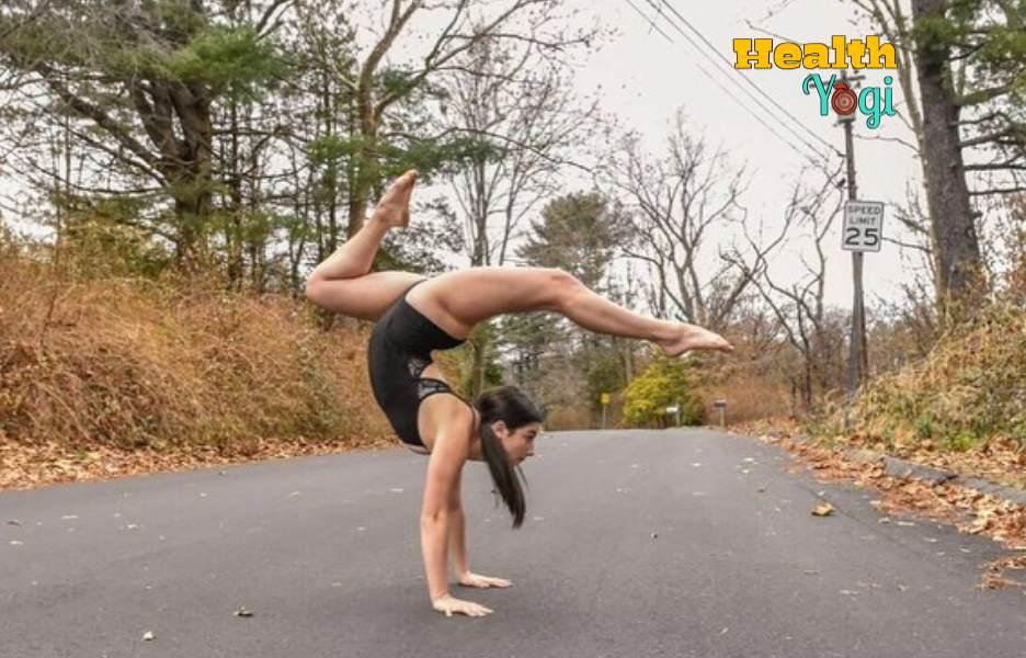 Charli D'Amelio Workout Routine