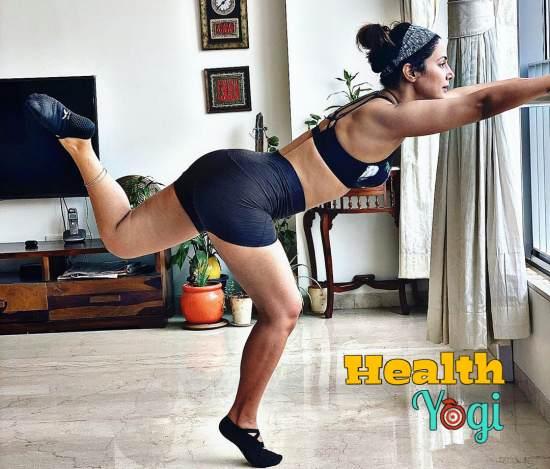Hina Khan exercise