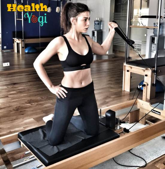 Demet Ozdemir at gym